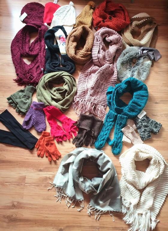 Mega zestaw zimowy czapki szaliki rękawiczki