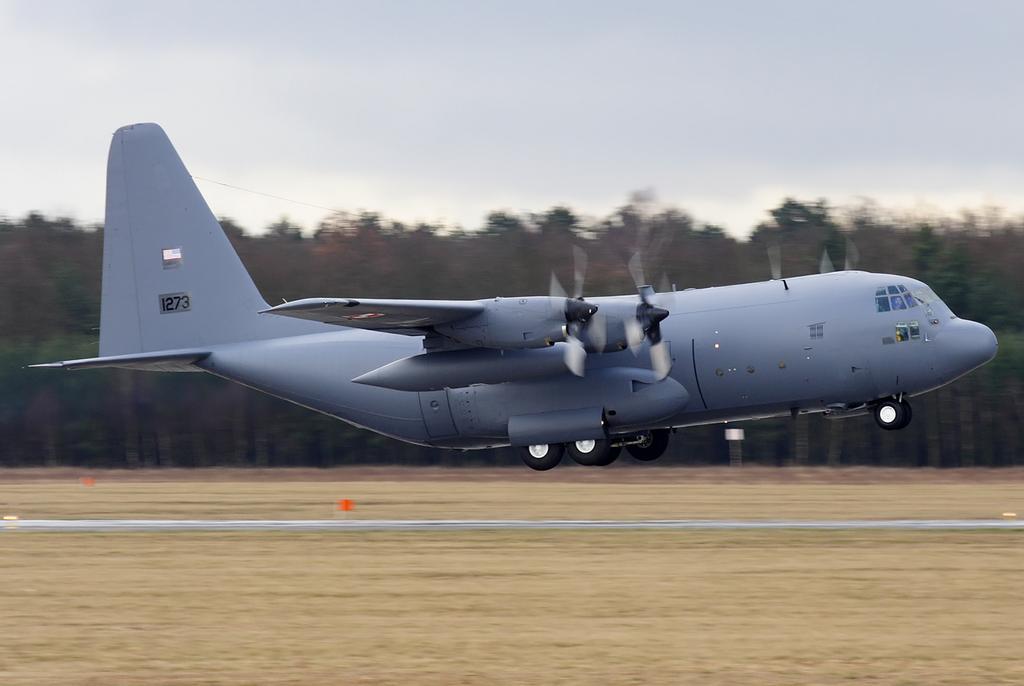 Siły Powietrzne - wizyta w bazie C-130 Hercules