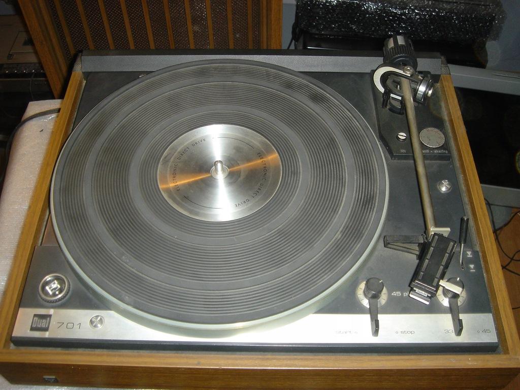Dual CS 701 Shure V15 gramofon