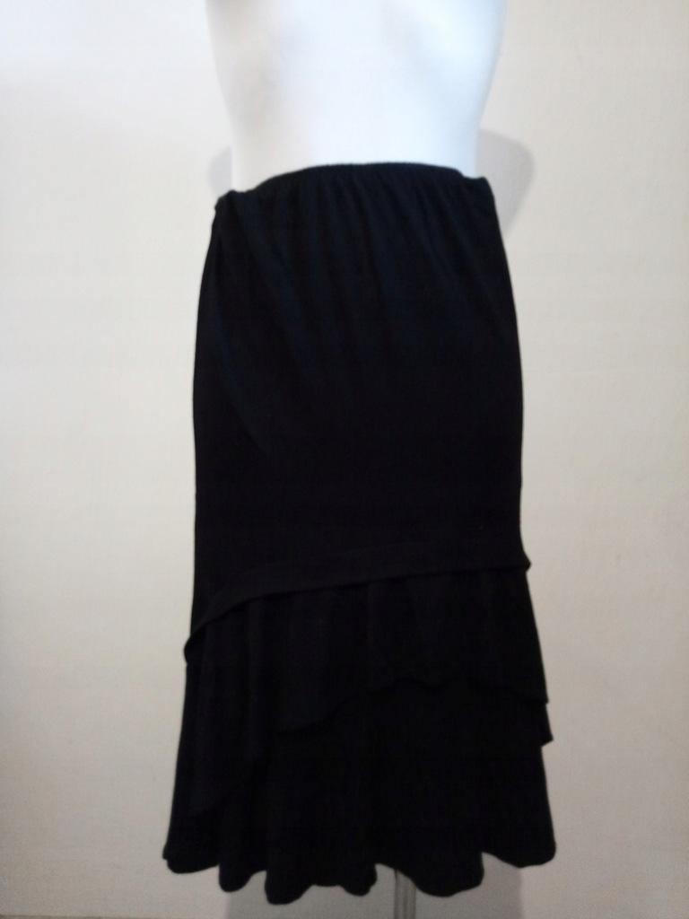 Spódnica czarna asymetryczna 36 8 S