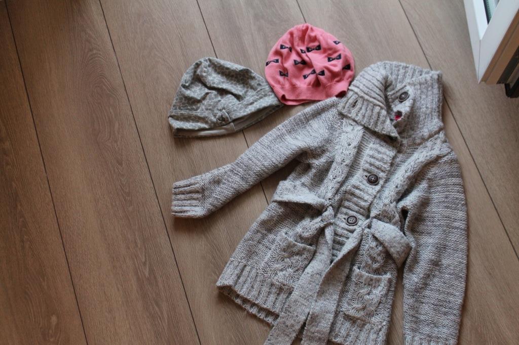Zestaw ubrań dla dziewczynki w rozm. 104 cm