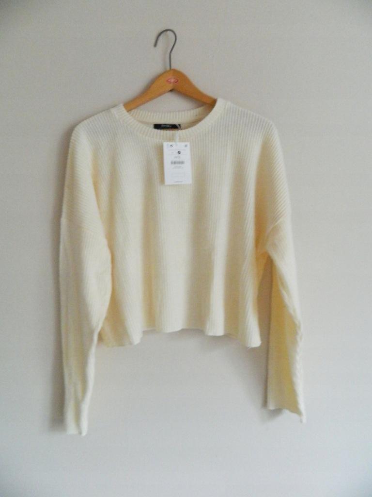sweterek kremowy bershka nowy M