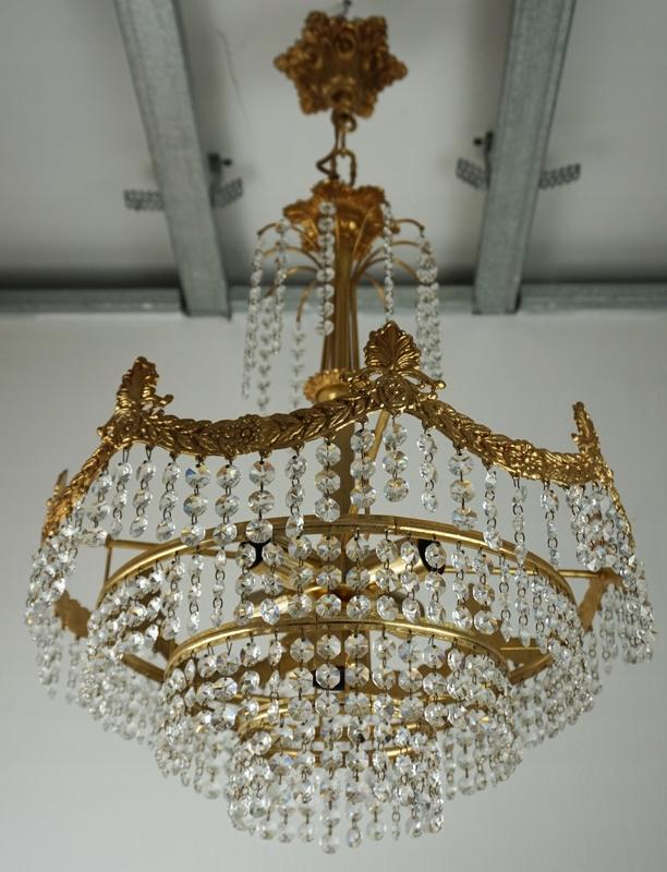 Piękny unikalny duży żyrandol kryształowy Francja
