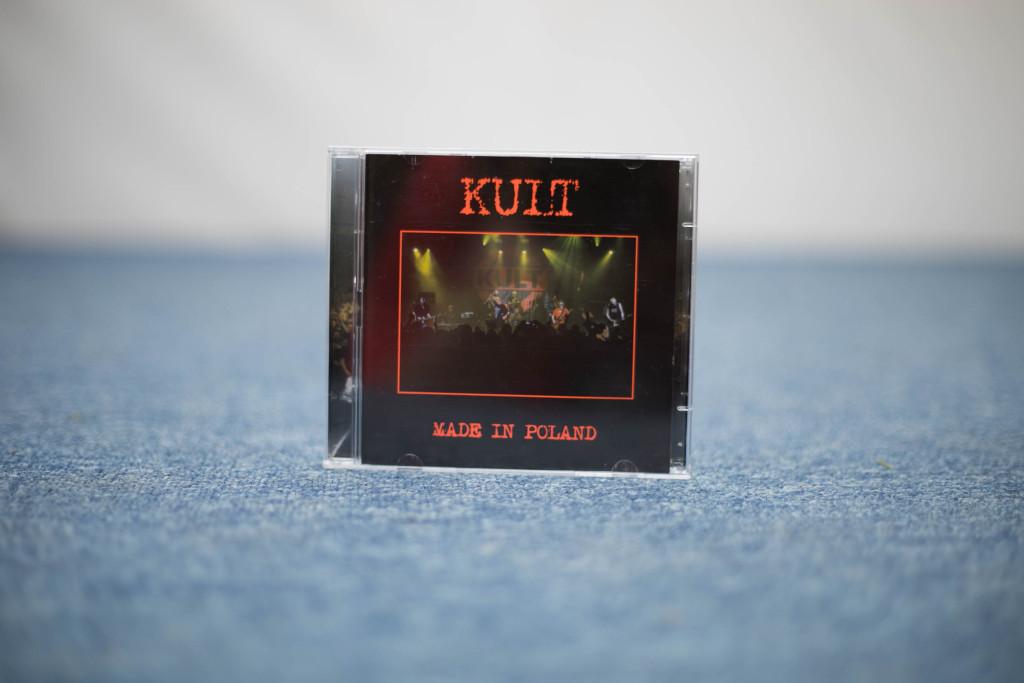 Płyta zespołu KULT z autografami