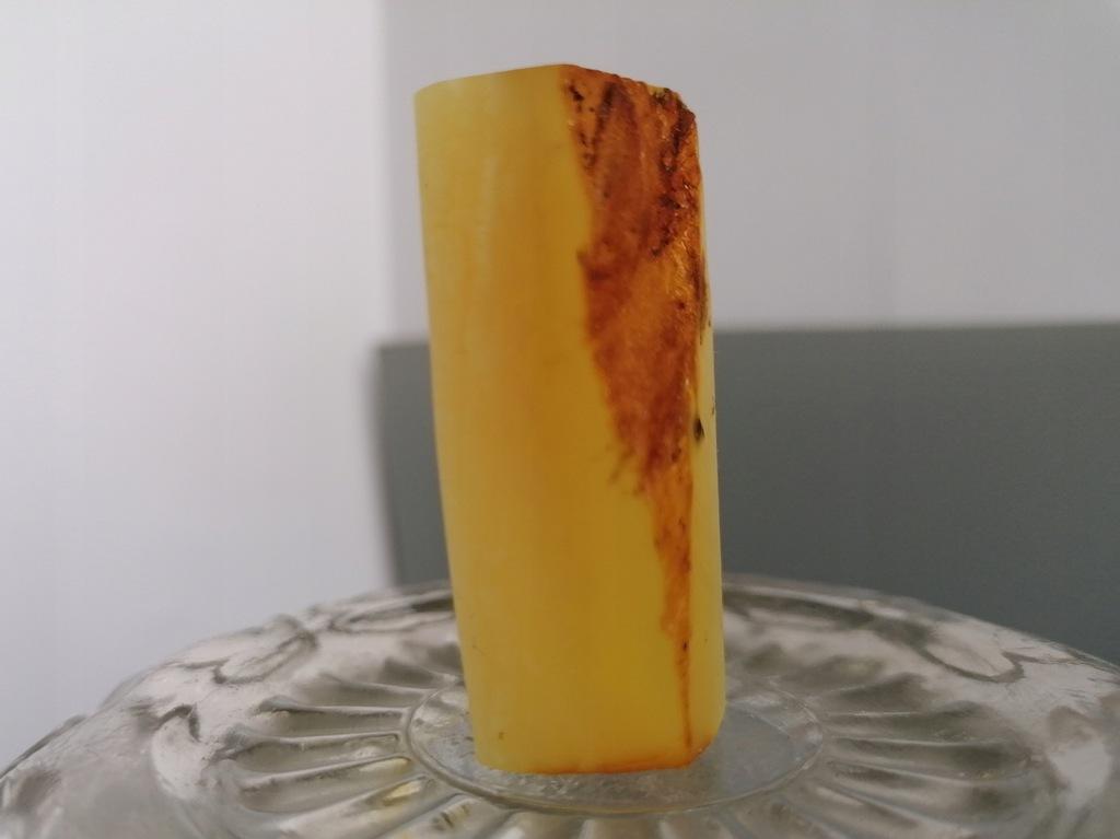 Bursztyn bałtycki naturalny surowy niemodyfikowany