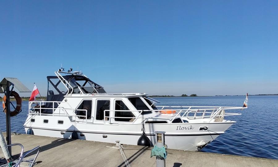 Jacht motorowy Beachcraft 960AK nowy silnik