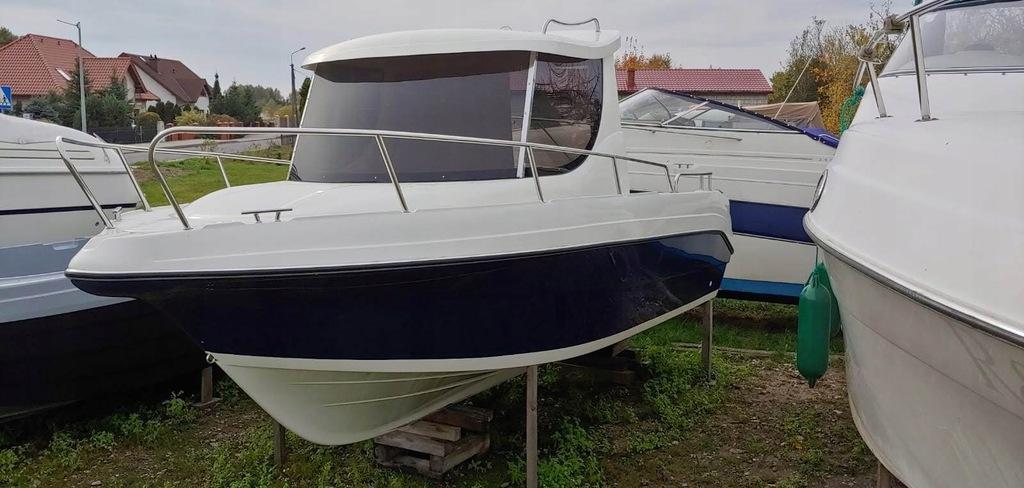 Kadłub łodzi motorowej typu FISCHER