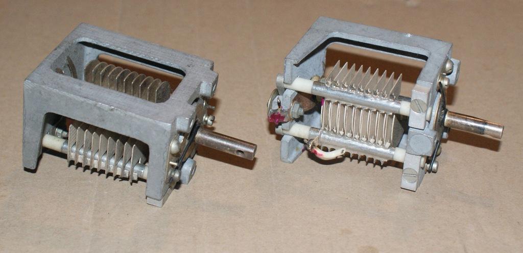 Kondensator zmienny 50 pF