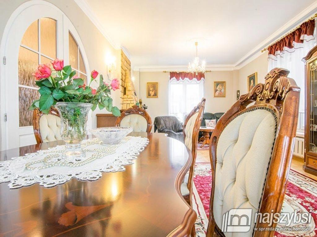 Dom, Kołobrzeg, Kołobrzeski (pow.), 280 m²