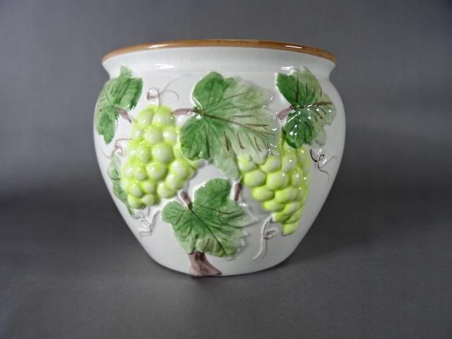 Ceramiczna osłonka na doniczkę sygnowana