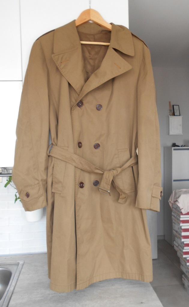 Buczka karmelowy męski trencz płaszcz vintage