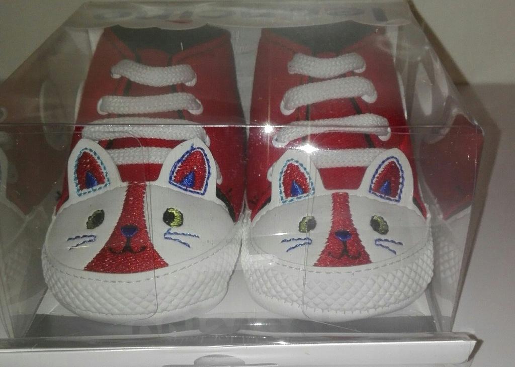 Nowe buty niechodki 18 trampki kotek