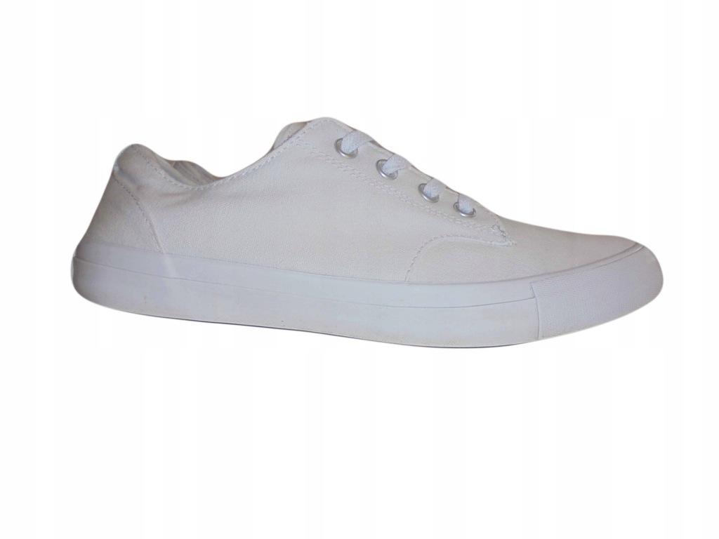 Białe tampki Converse. Stan idealny. Rozmiar 44.