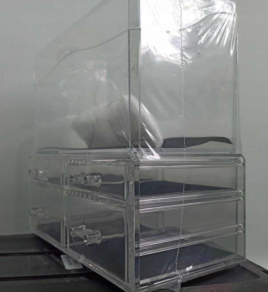 W51 Przezroczysty pojemnik 4 szuflady. Skrzynia