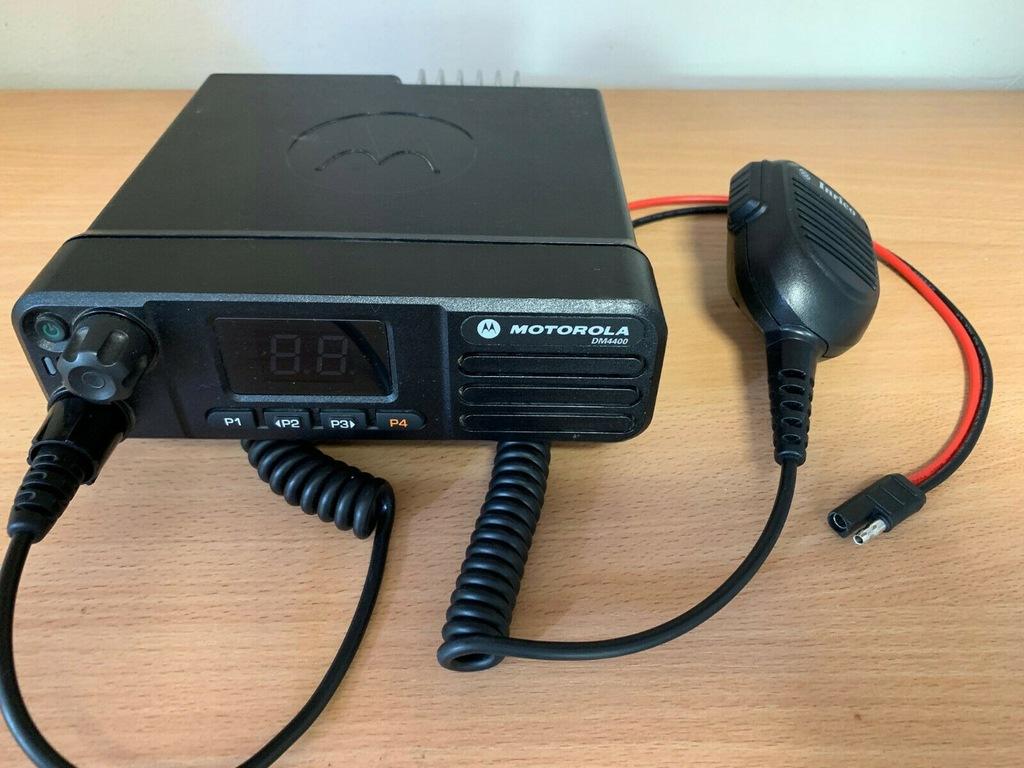 RADIOTELEFON MOTOROLA DM4400 136-174 MHz GWARANCJA