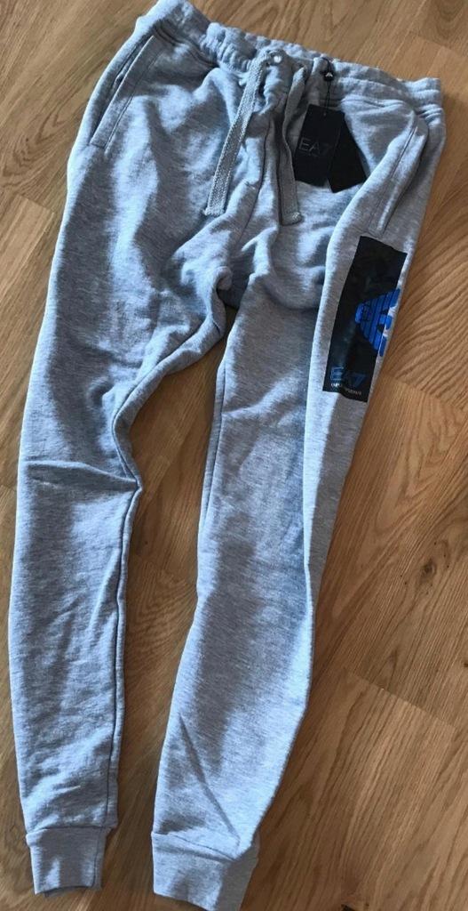 Spodnie dresowe EA7 EMPORIO ARMANI roz M