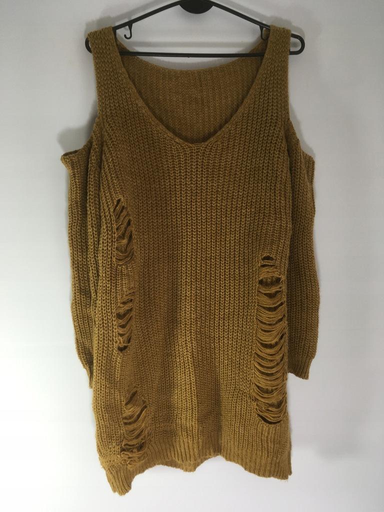 _sliczny sweter ciepły miły dziury wycięcia