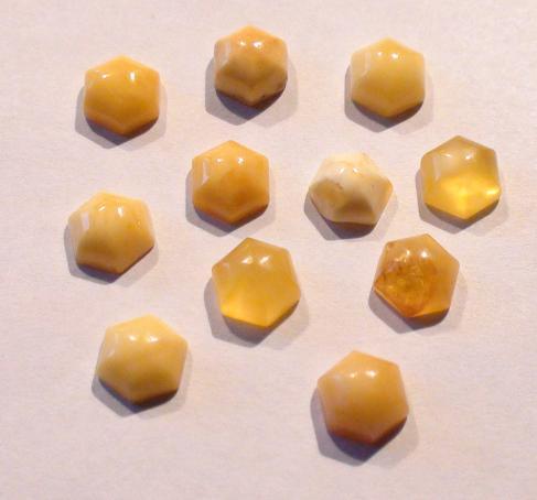 kaboszon bursztyn ośmiokąt 8 x 8 mm - 1 szt