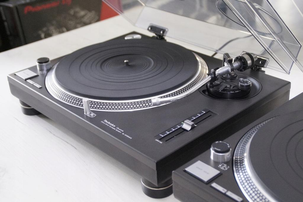 2 x Technics SL 1210 MK2 Stan kolekcjonerski