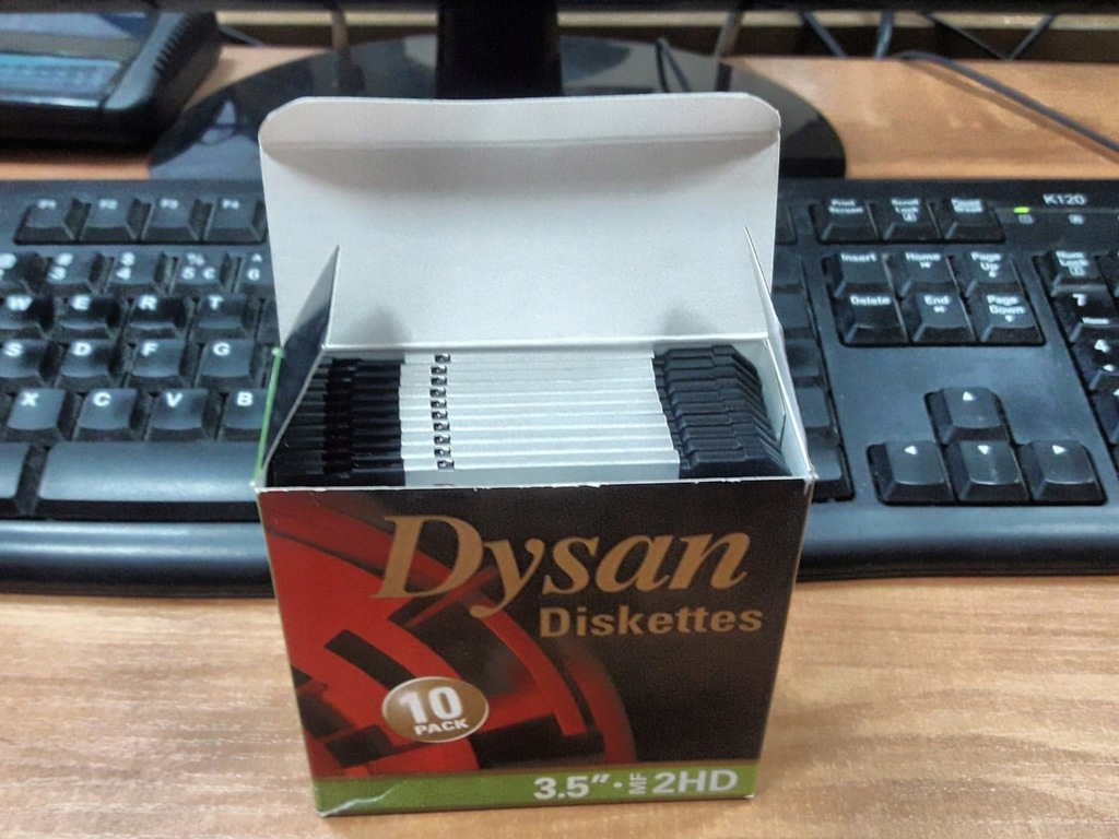 Dyskietki 1.44 DYSAN 2HD kolorowe nowe - OKAZJA!!!