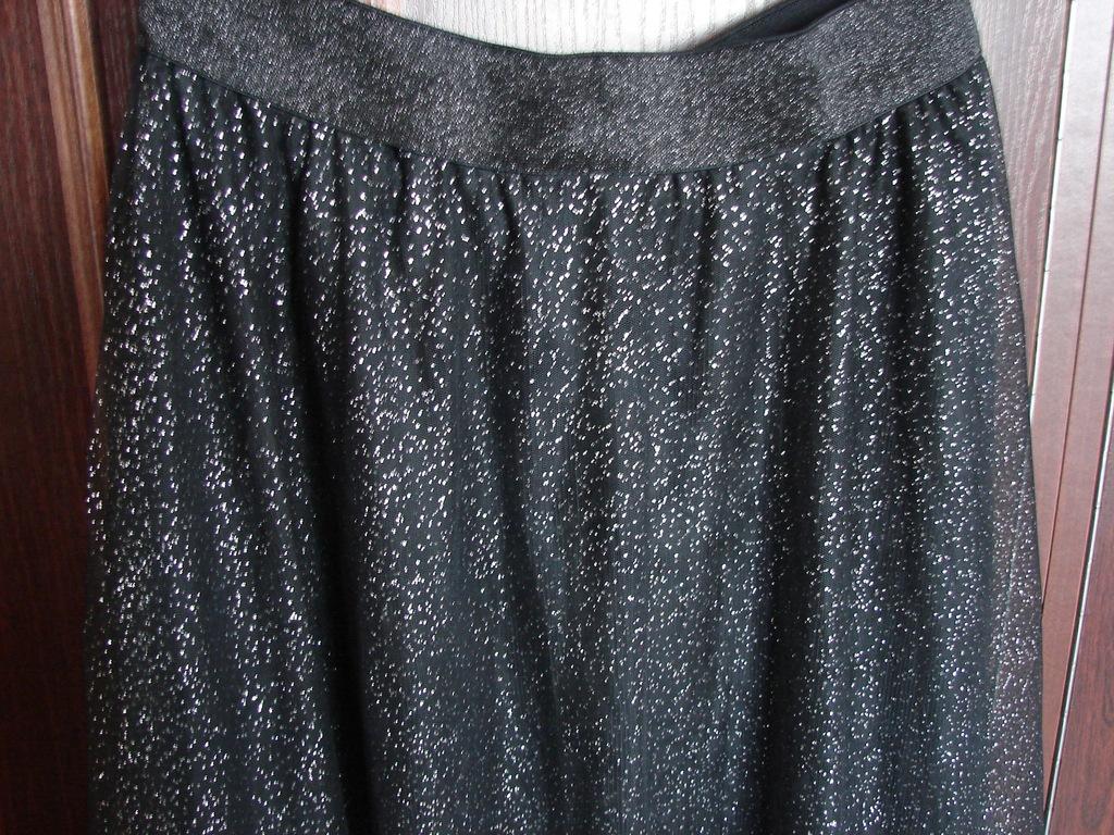 Piękna czarna spódnica srebrne kropki roz. M Carry