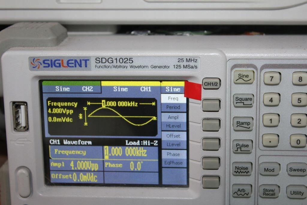 Generator funkcyjny Siglent SDG 1025