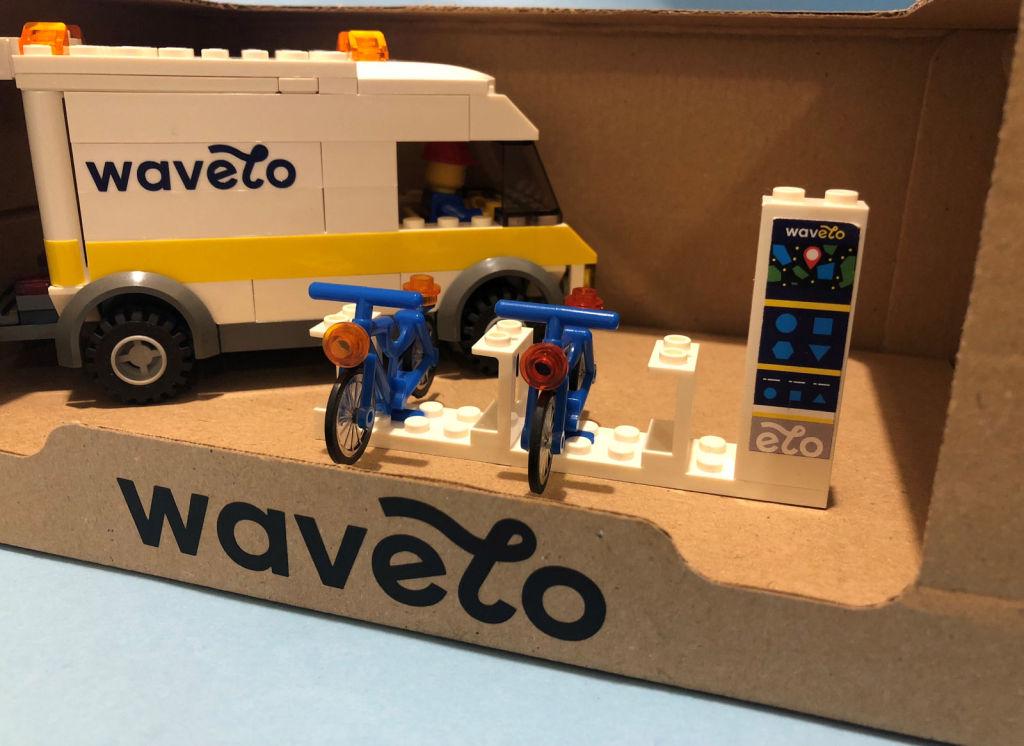 Super! Zestaw LEGO rowerowe Wavelo stacja samochód