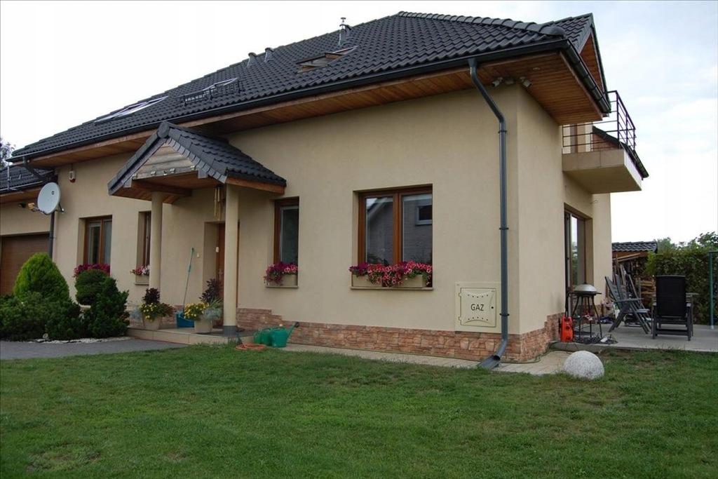 Dom, Bystre, Oleśnica (gm.), 220 m²