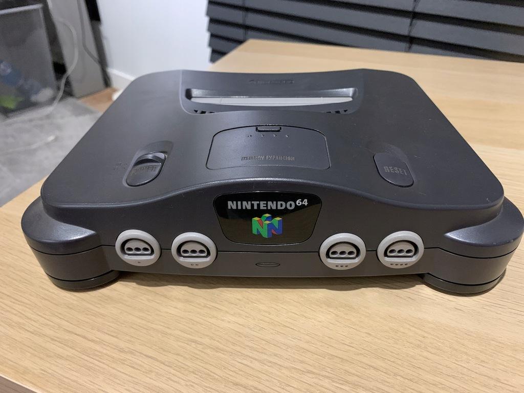 Nintendo 64 + pad + okablowanie + 2 gry BCM
