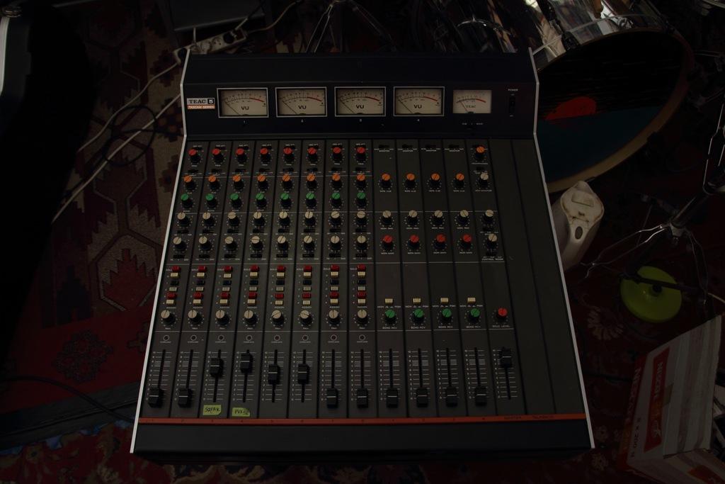 Mikser TEAC 5B Tascam, analog, phantom 48V
