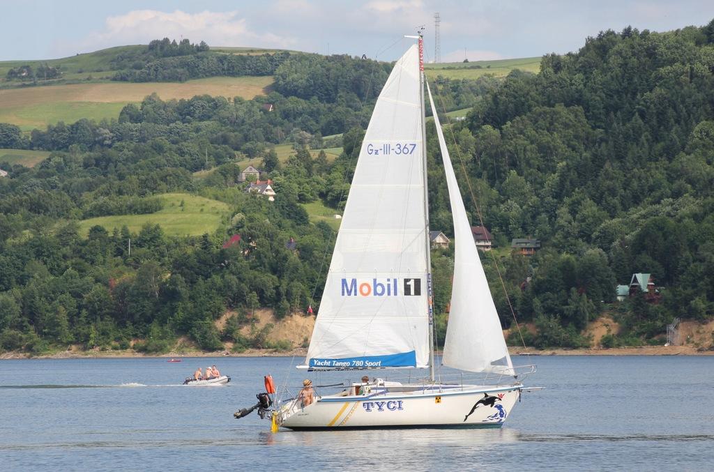 Jacht żaglowy Tango 780 Sport - doinwestowany!
