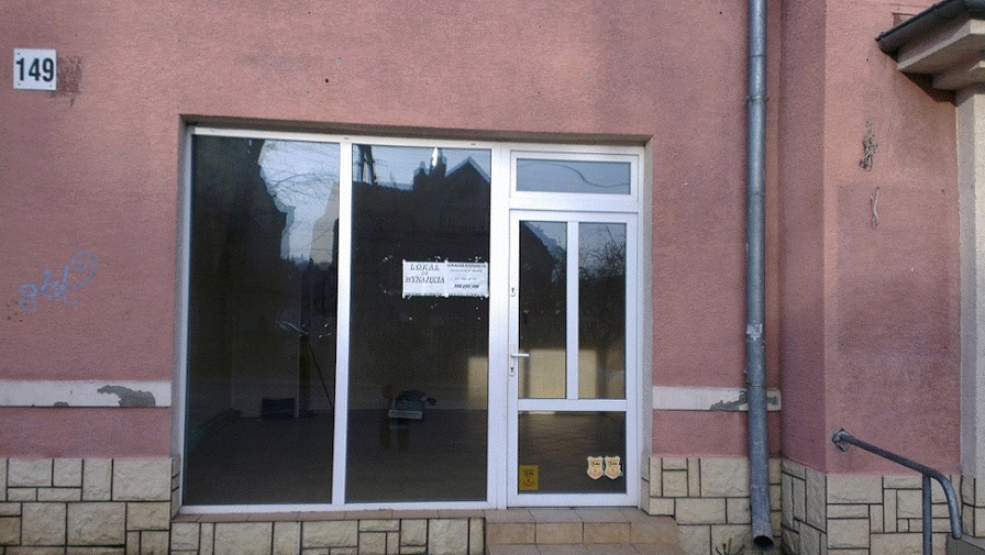 Lokal użytkowy w centrum Bielawa - duże witryny.