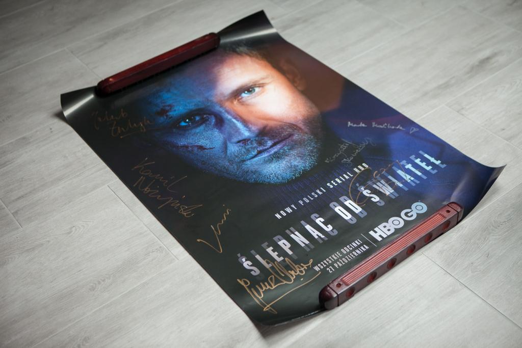 Ślepnąc od świateł - plakat z autografami obsady