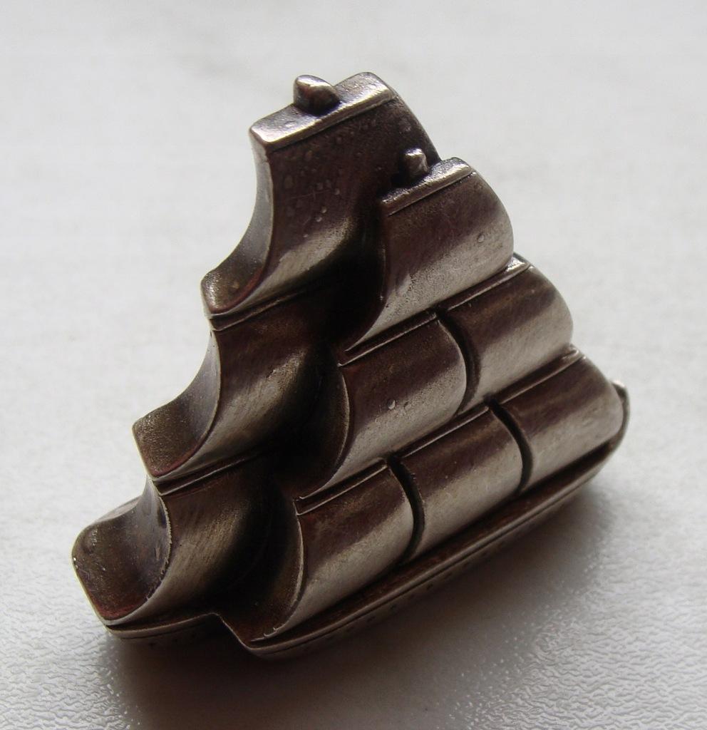 3463. Srebrna figurka żaglowiec - pr.925