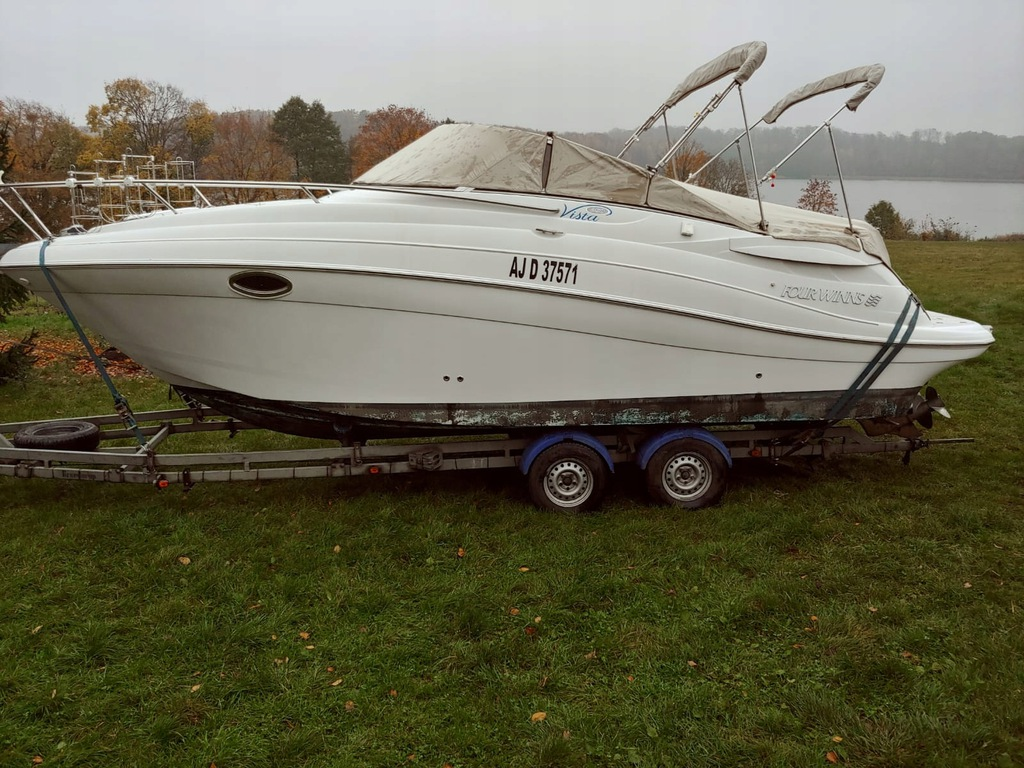 Łódz motorowa Four Winns Vista 258