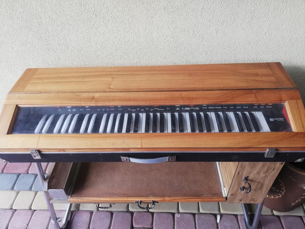 Syntezator ELTRONIC 109 UNITRA