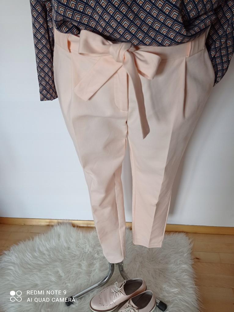 Spodnie cygaretki różowe Top Secret r. 38