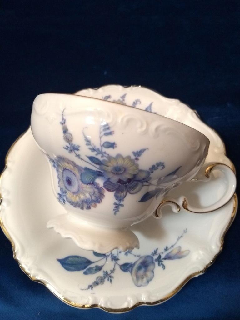 Rosenthal Pompadour Filiżanka biała niebieskikwiat