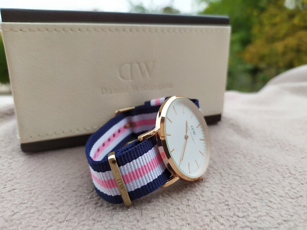Zegarek DANIEL WELLINGTON 40MM