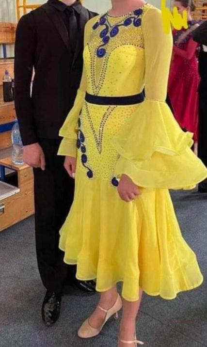 Piękna zdobiona sukienka do standardu XS /S