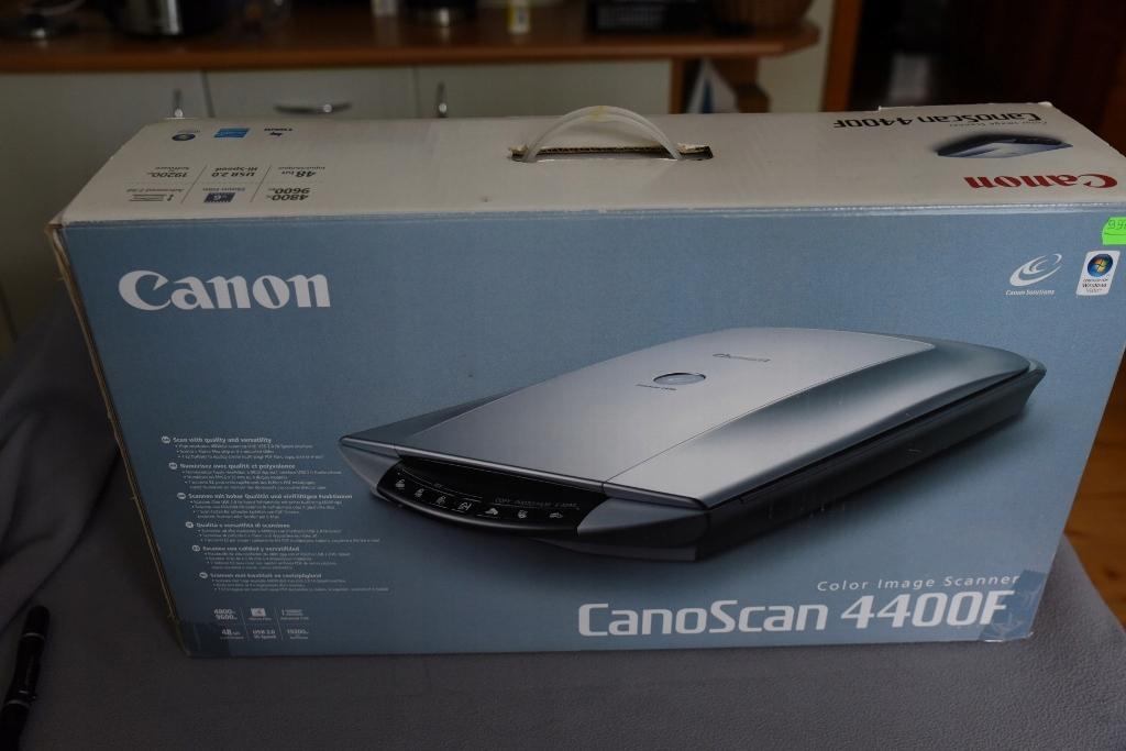 Canon Conoscan 4400F skaner do filmu 35 mm