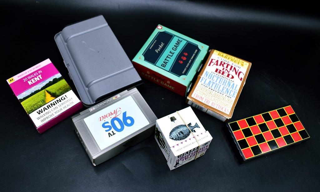 4700-16 BATTLE GAME 90S TV TRIVIA... k#o MIX GIER
