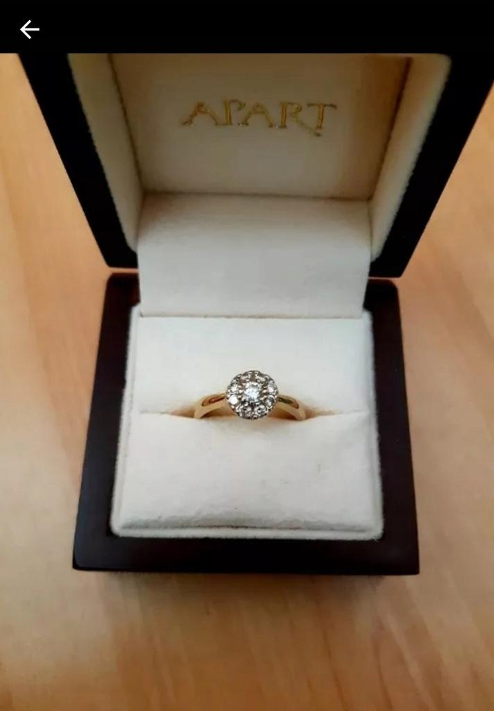 Złoty pierścionek Apart brylanty 0.46 ct