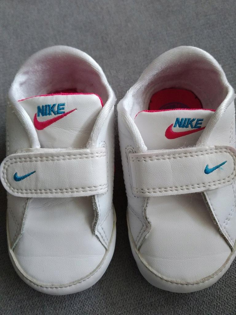 Buciki dla niemowlaka niechodki Nike