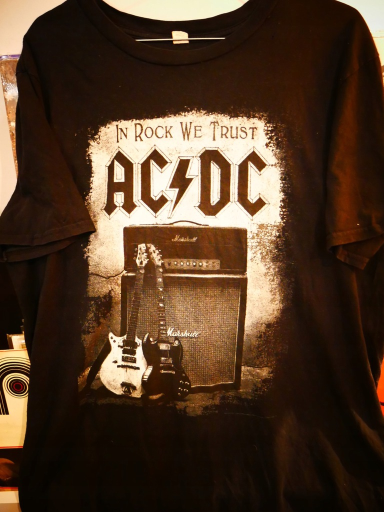 T-SHIRT AC/DC IN ROCK WE TRUST M