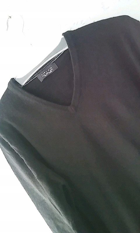 Czarny sweter z Zary
