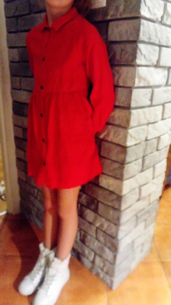 Sukienka czerwona Zara 128