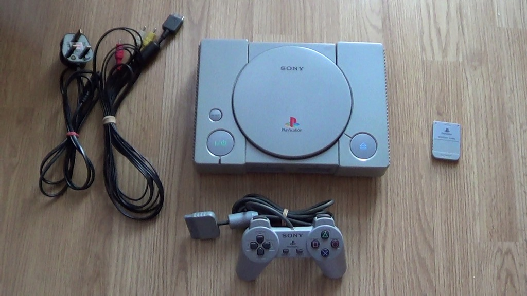 PlayStation 1 SCPH-7502 +pad +kabel vdeo +karta