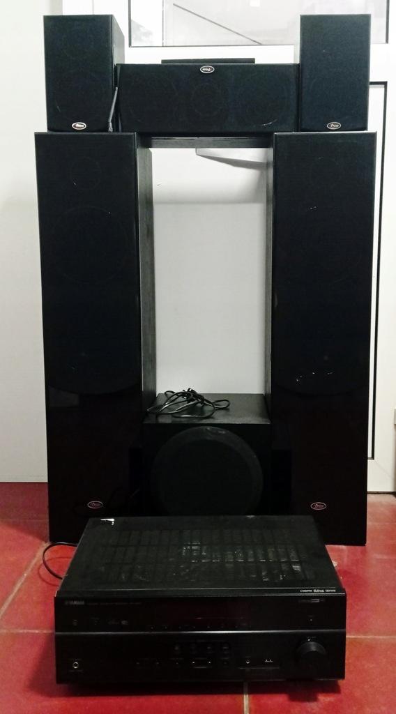 Zestaw kolumn z amplitunerem Yamaha