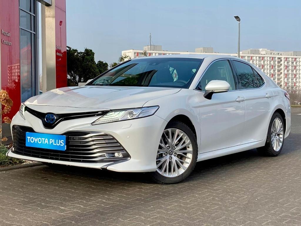 Toyota Camry 2.5 Hybrid Executive e-CVT + VIP
